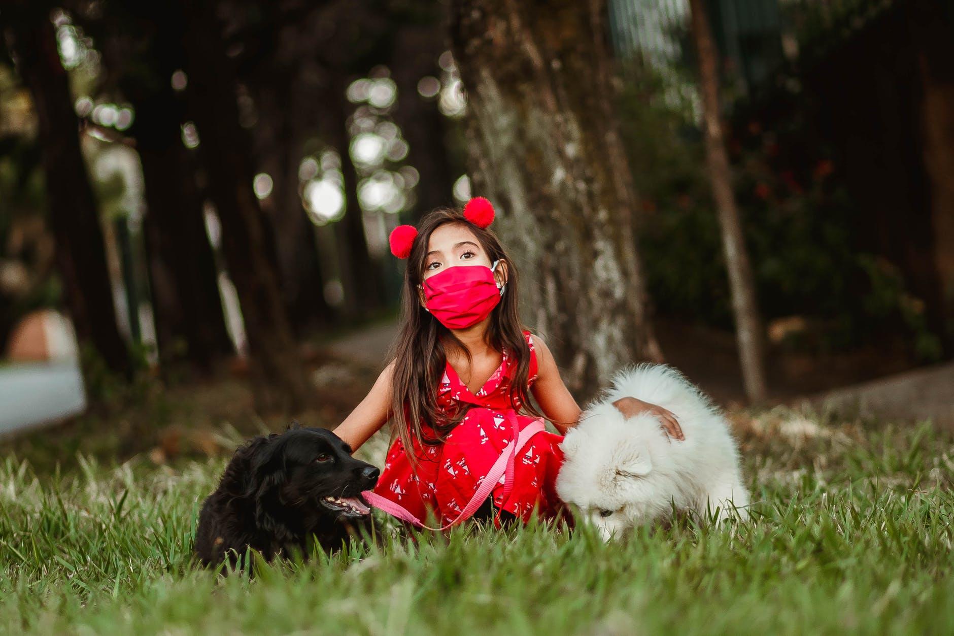 Dr Hoffman- Τρομερές αποκαλύψεις για τις μάσκες στα παιδιά και τις συνέπειες της χρήσης τους σε αυτά