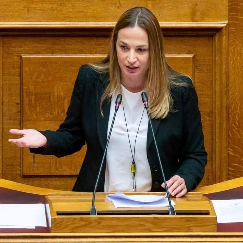 """Ο ΣΥΡΙΖΑ βρήκε πρόσφορο έδαφος στον αδύναμο κρίκο της Ν.Δ., που είναι το σ.ν. της """"συνεπιμέλειας"""""""